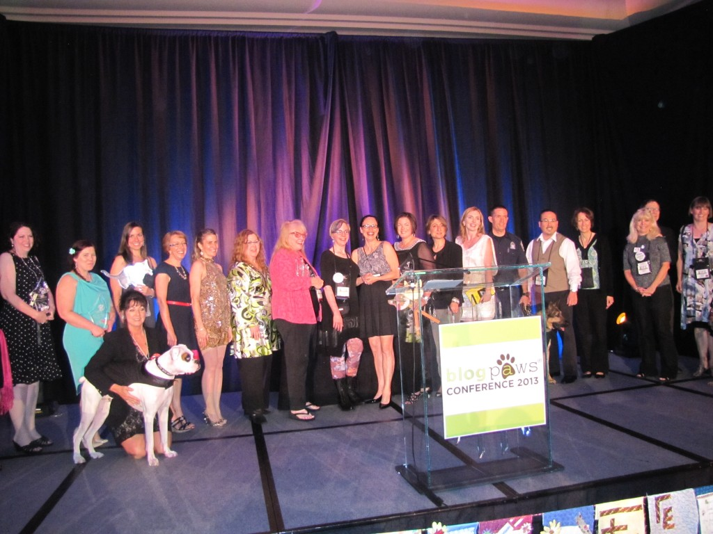 The 2013 BlogPaws Nose-to-Nose winners!
